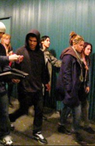 LES CULLEN, BELLA ET JACOB BLACK AU CONCERT DE JASPER- 100 MONKEYS