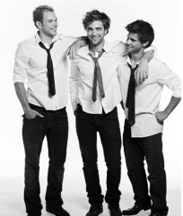 TWILIGHT BOYS POUR COSMO GIRL BY MATT JONES (10/08)