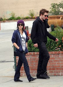ROBERT PATTINSON ET SHANNON WOODWARD À BEVERLY HILLS