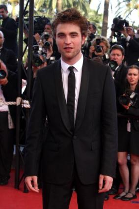 ROBERT PATTINSON SUR LES MARCHES
