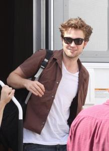 "PHOTOS DE ROBERT PATTINSON SUR LE TOURNAGE DE ""REMEMBER ME"" ( 29/06/09)"