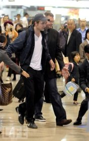 ROBERT PATTINSON ET CHRIS WEITZ AU JAPON !