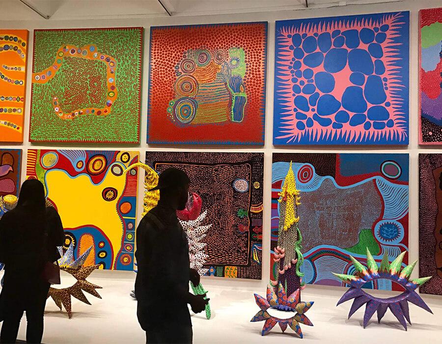 """""""Polka dots"""" tomaram conta da cena de arte da capital americana – Yayoi Kusama"""