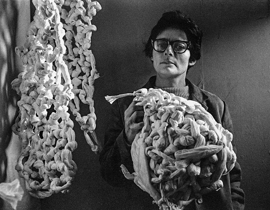 Mira Schendel: a arte contemporânea brasileira