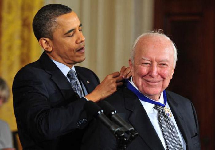 JasperJohnsPresidential-Medal