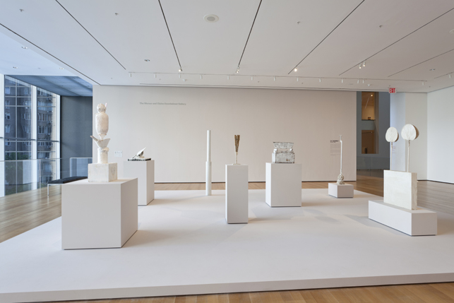 Instalação de Cy Twombly: Sculpture at MoMA (May 20–October 3, 2011). Créditos: Jonathan Muzikar.