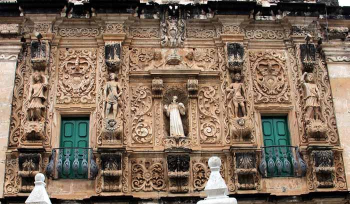 barroco brasileiro; Detalhe da fachada da Igreja dos Terceiros de S. Francisco em Salvador