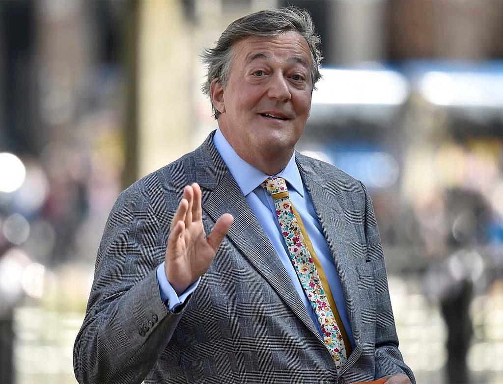 Stephen Fry -  artistas LGBT mais influentes