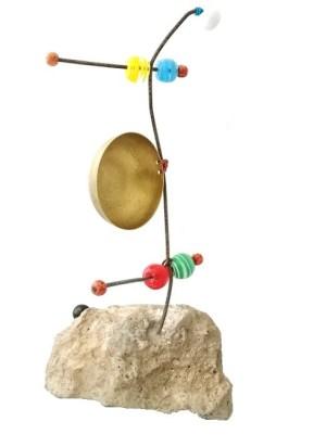 Claudia Seber. Embolado (2020) - 39 x 22 x 10 cm (reboco;ferro;vidro;madeira;latão;cobre) R$ 310,00