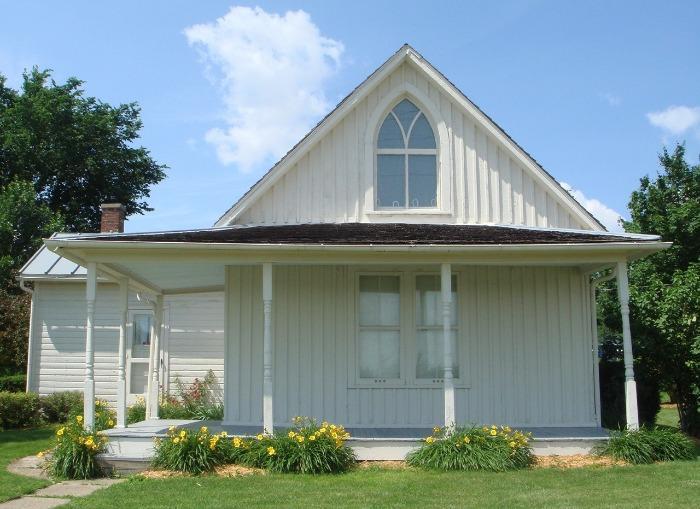 Casa em Iowa - Grant Wood