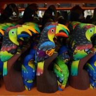TULCAN GUACAMAYA DOBLE EN BALSO 12 CM $15000