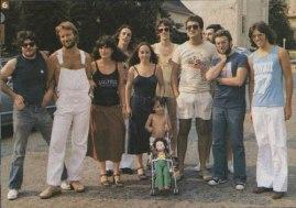 Luis en Los Angeles, junto a Gustavo Santaolalla, León Gieco (primeros desde la izquierda), Nito Mestre y otros a fines de los 70.