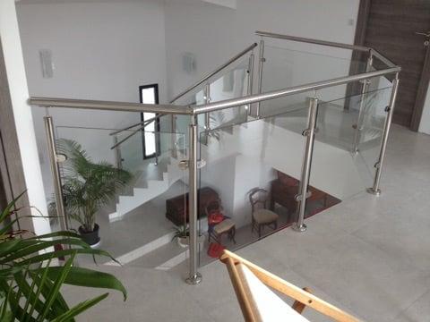 Photo garde-corps intérieur inox vitré
