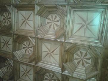 Miguel Farse: artesonado de techo en entrada de vivienda particular