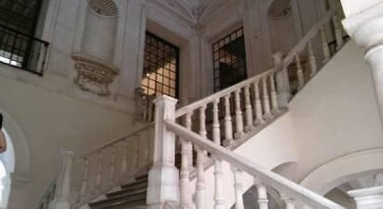 Detalle de la escalera interior del Museo de Bellas Artes de Sevilla