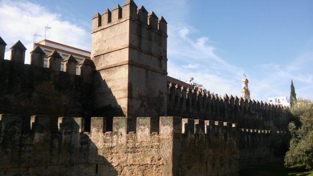 Sección del lienzo de murallas de la Macarena - Rutas para pasear por Sevilla