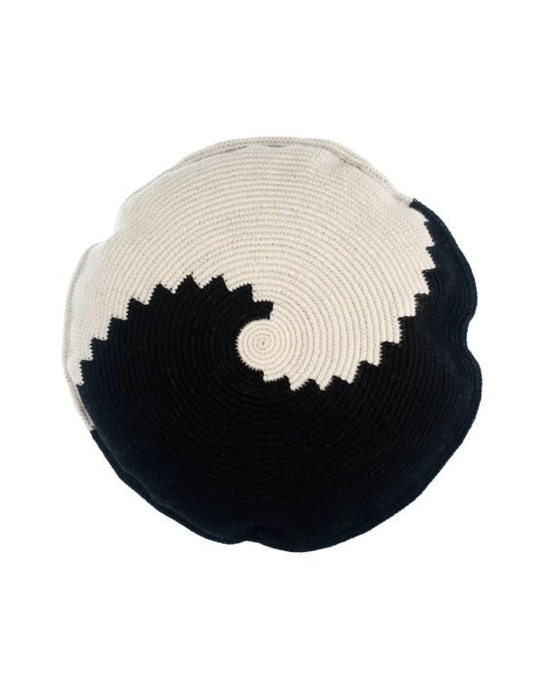Arte y Tejido, Cojín Kochi, Kochi Cushion, Chorrera, Cojín, Cushion, Tejido, Knitted, Crochet, Natural Fibers, Algodón, Cotton, Fibras Naturales, Kochi