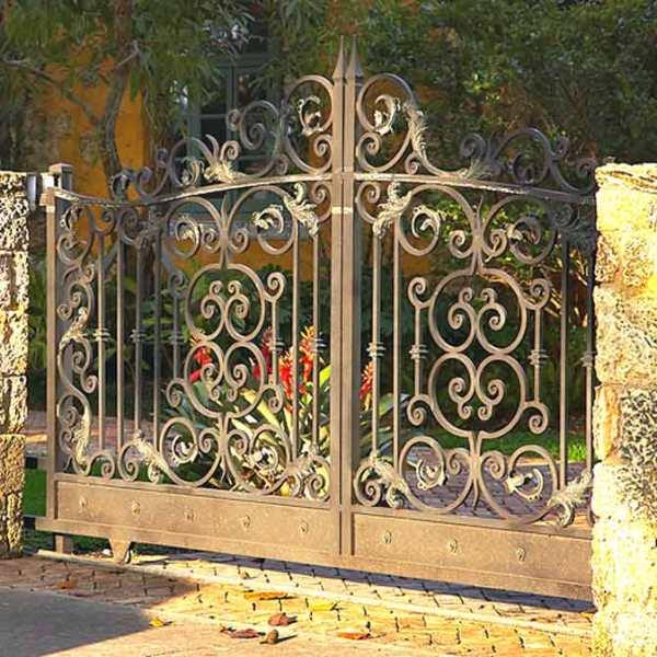 Entry Gate - Castle Leslie 16th Cen Italian Renaissance -1267IGR
