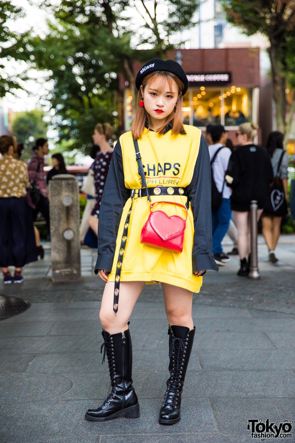 Trendy Dengan Paduan Busana Kuning Hitam Dan Sepatu Bot