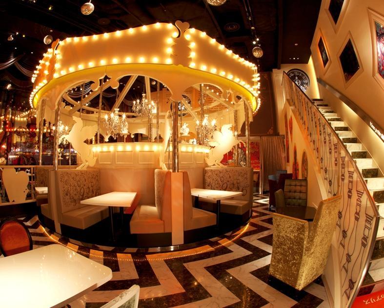 Makan Seru Di Restoran Alice In Wonderland Tokyo