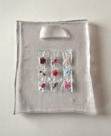 Meiek Entenmann, care bag, Mixed media in Kunstharz, 2010