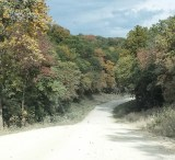 Off road to Hogback Bridge. (Photo: Patricia Teter. All Rights Reserved.)