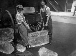 2_GirlsDeliverIce_1918