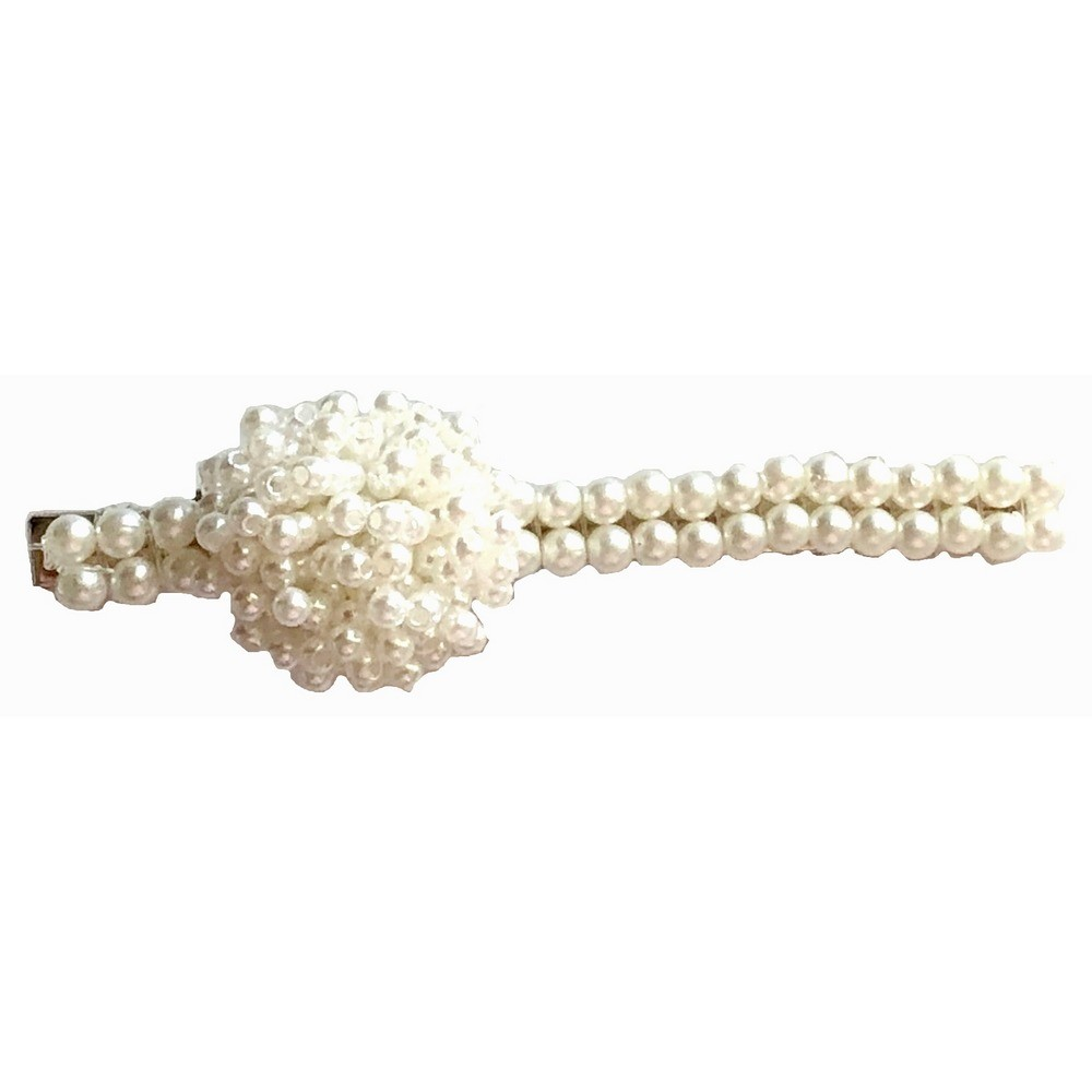 Hair Clip with Pearl Decoration