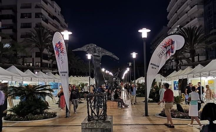 Charming photo of the FestiArte exhibition in the night
