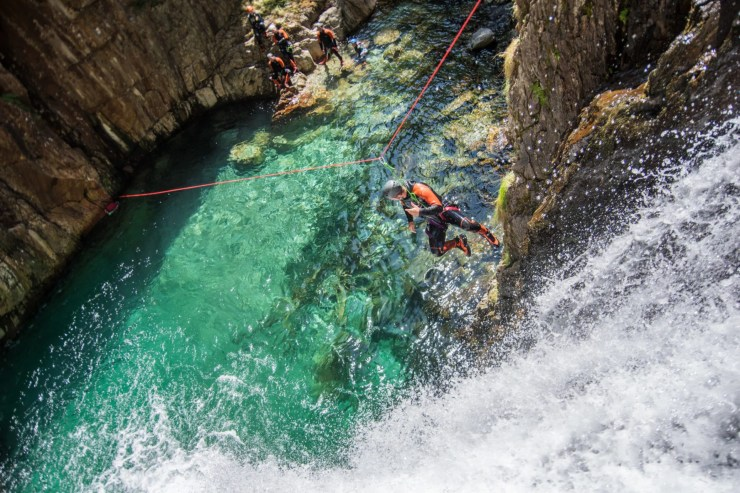 tyrolienne canyon artigue ariège canyoning