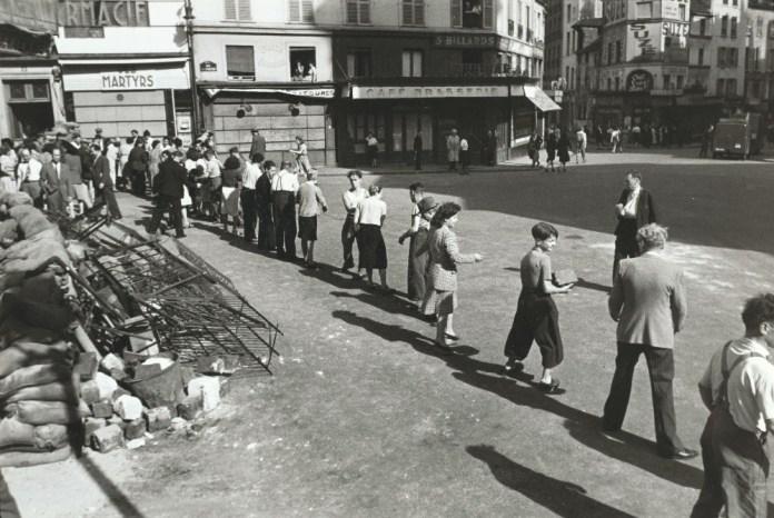 Καρτιέ-Μπρεσόν, rue des Martyrs, 1944