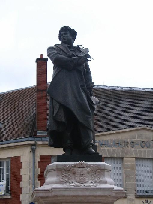Άγαλμα του Αλέξανδρου Δουμά
