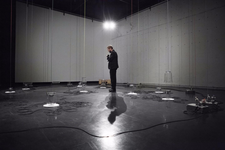 1. Catherine Béchard et Sabin Hudon. Les temps individuels, Studio d'Essai, Québec, 2012-2013. Photo de Marion Gotti.