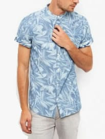 Chemise à manches courtes en denim à imprimé feuilles bleues New Look