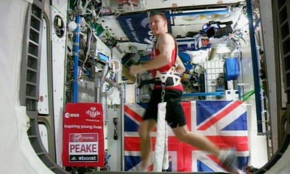 Tim Peake ha corso la maratona di Londra