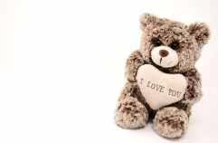 osito de peluche marrón con corazon con texto I love you