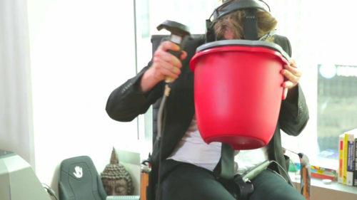 長時間VRをプレイすると人はどうなるか
