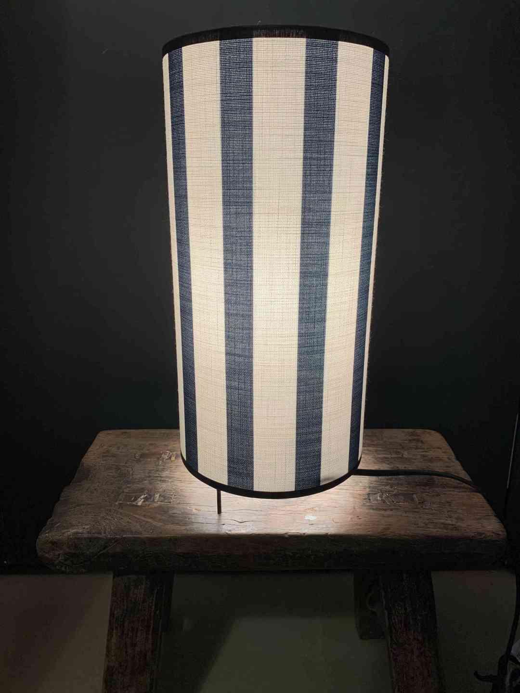 Lampe 3 Pieds Royale Noire Rayée
