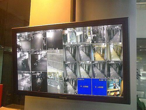 Mujer robó prendas de vestir de un conocido comercio céntrico y fue atrapada por la policia gracias a las imágenes de las cámaras de seguridad