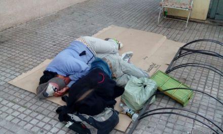 Personas que viven a la vista de todos,deambulan por las calles y duermen en los espacios públicos