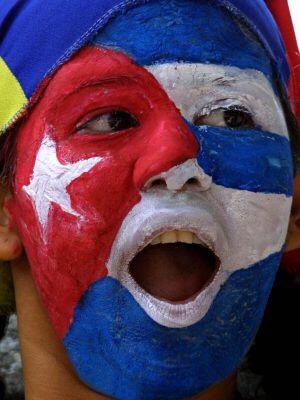 CUBANOS REALIZAN MASIVAMENTE EL TRAMITE  DE RESIDENCIA EN EL CONSULADO URUGUAYO DE LA CIUDAD DE QUARAI