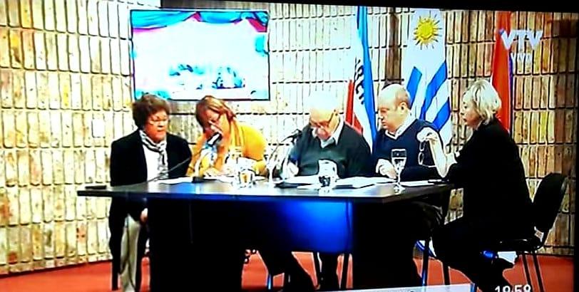 MINISTRO ROSSI FIRMÓ CONVENIO DE POLICLÍNICA VENANCIO FLORES: