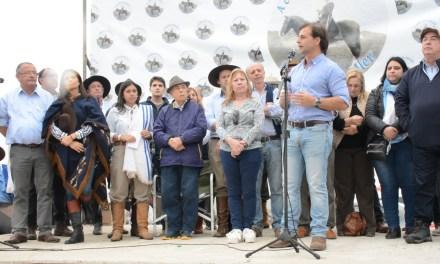 CIENTOS DE ARTIGUENSES PARTICIPARON DE LA TRADICIONAL MOVIDA BLANCA «MARCHA DE MASOLLER»