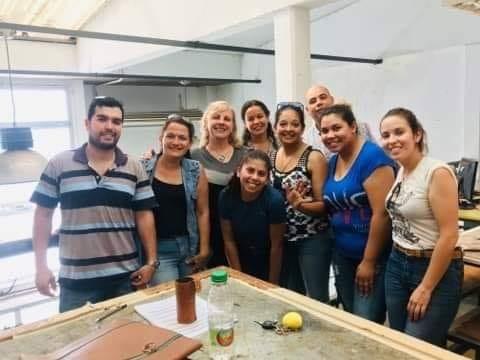 ALUMNOS DE UTU QUE ABRIERON SU PROPIO LOCAL COMERCIAL PARTICIPARÁN DE FERIA NACIONAL