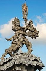 patung dewa suci