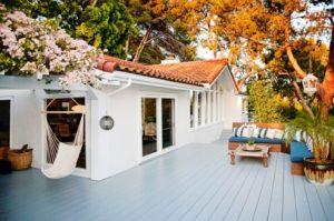 Rumah Miranda Kerr - deck