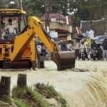 Siasat Atasi Bulldozer Ambles Saat Banjir