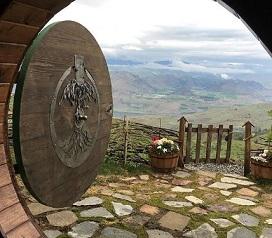 pemandangan luar Rumah Hobbit