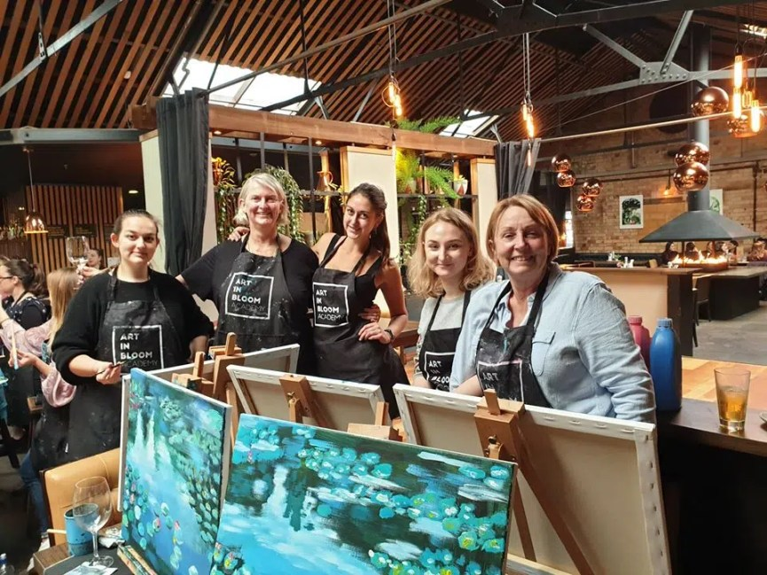 experience gifts Auckland wine and paint party