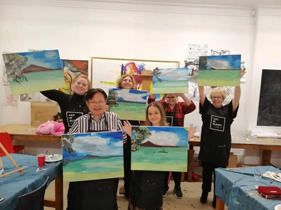 Auckland activity ideas - wine and paint party